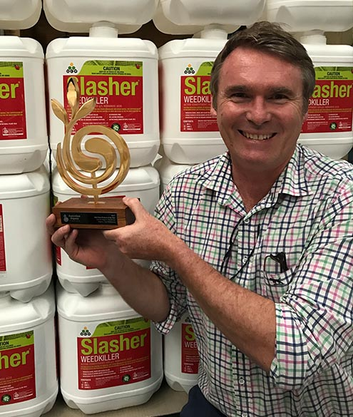 Gary-Leeson-2017-Organic-Product-of-the-Year-award